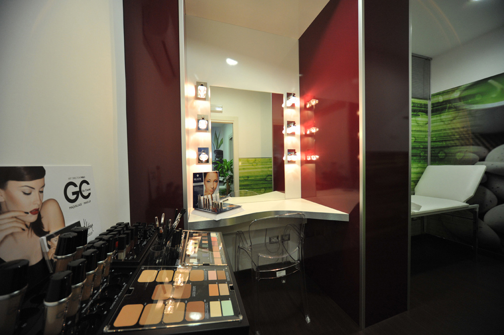 Arredo Farmacia FG Lavarone - Area make-up