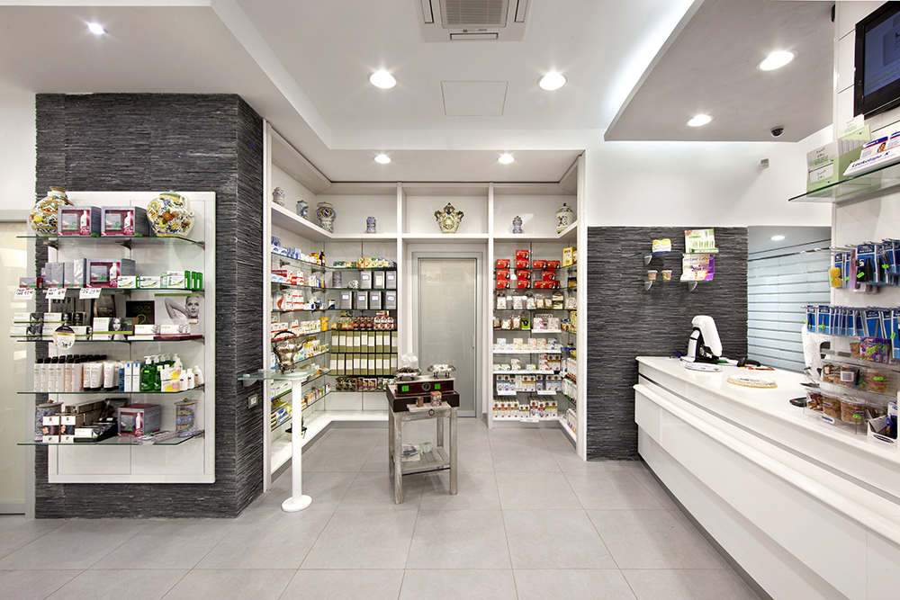 Arredamento farmacia ferrante nocera inferiore rdifarm for Sito design interni