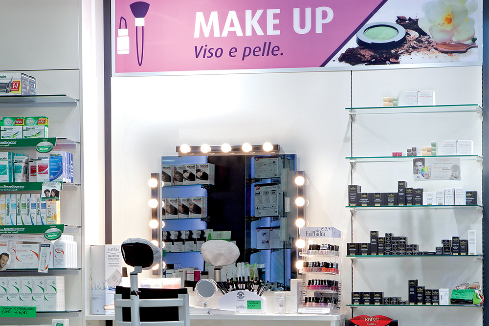 Arredo Farmacia D'Aniello | Area make-up viso e pelle | rdifarm