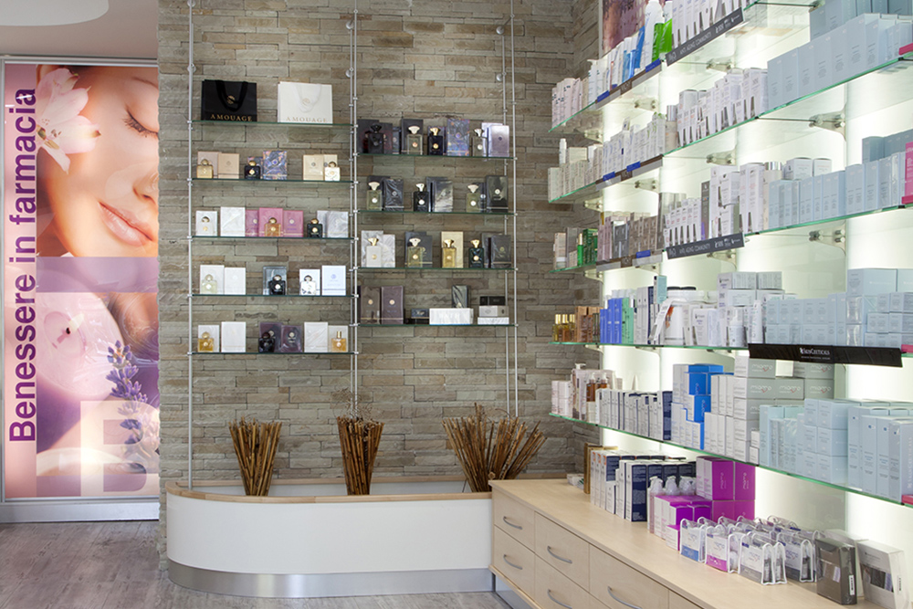 Arredo Farmacia Matachione Telese - Interior design