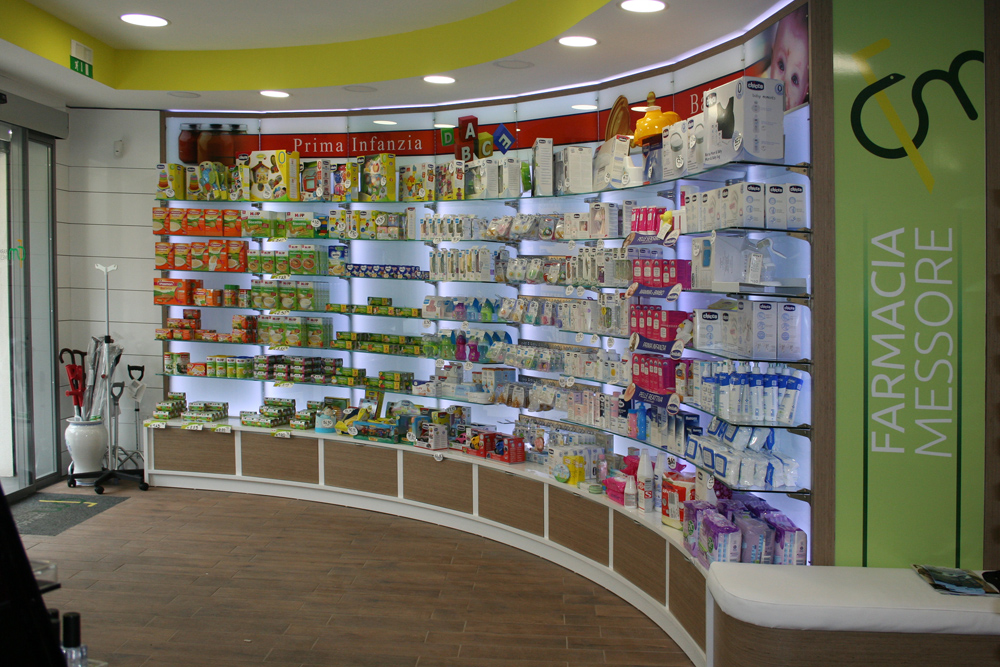 Arredo Farmacia Messore  - Visual merchandising